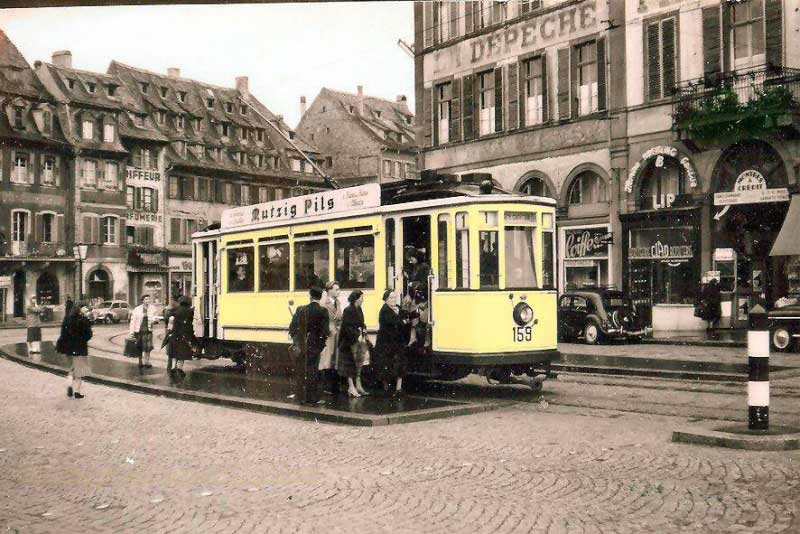 The tram at Corbeau square in 1954 (Jacques Bazin)