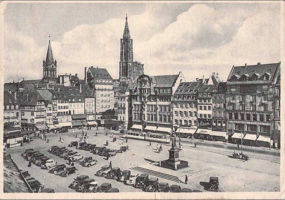 Tramways at Kléber square in the late 1940s