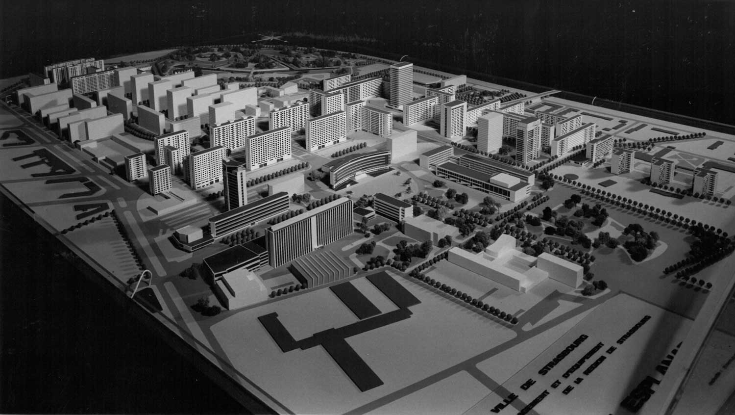 Model of the project for the Esplanade district