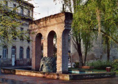 La fontaine de Janus près de la place Broglie