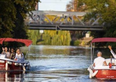 Visite guidée en bateau électrique le long de l'Ill à Strasbourg